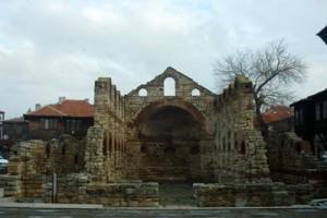 Несебр, старый город, развалины базилики