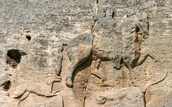 Скальный рельеф Мадарский всадник